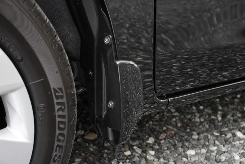 タントXターボSA[DBA-LA600S]の前輪のマッドガードです。