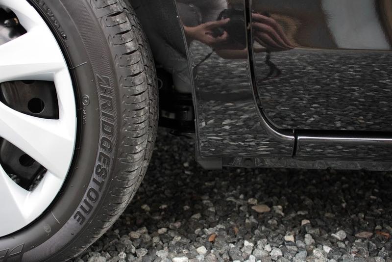 タントXターボSA[DBA-LA600S]の前輪のマッドガード取り付け前です。