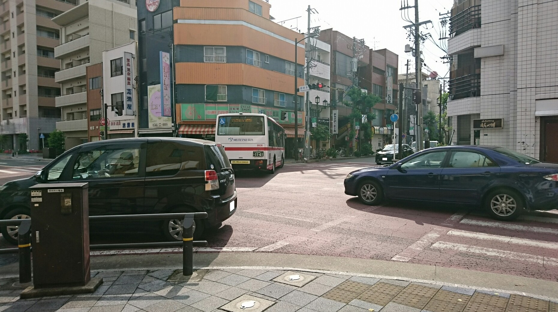 2017.6.2 名鉄バス (3) 御幸本町交差点 1860-1040