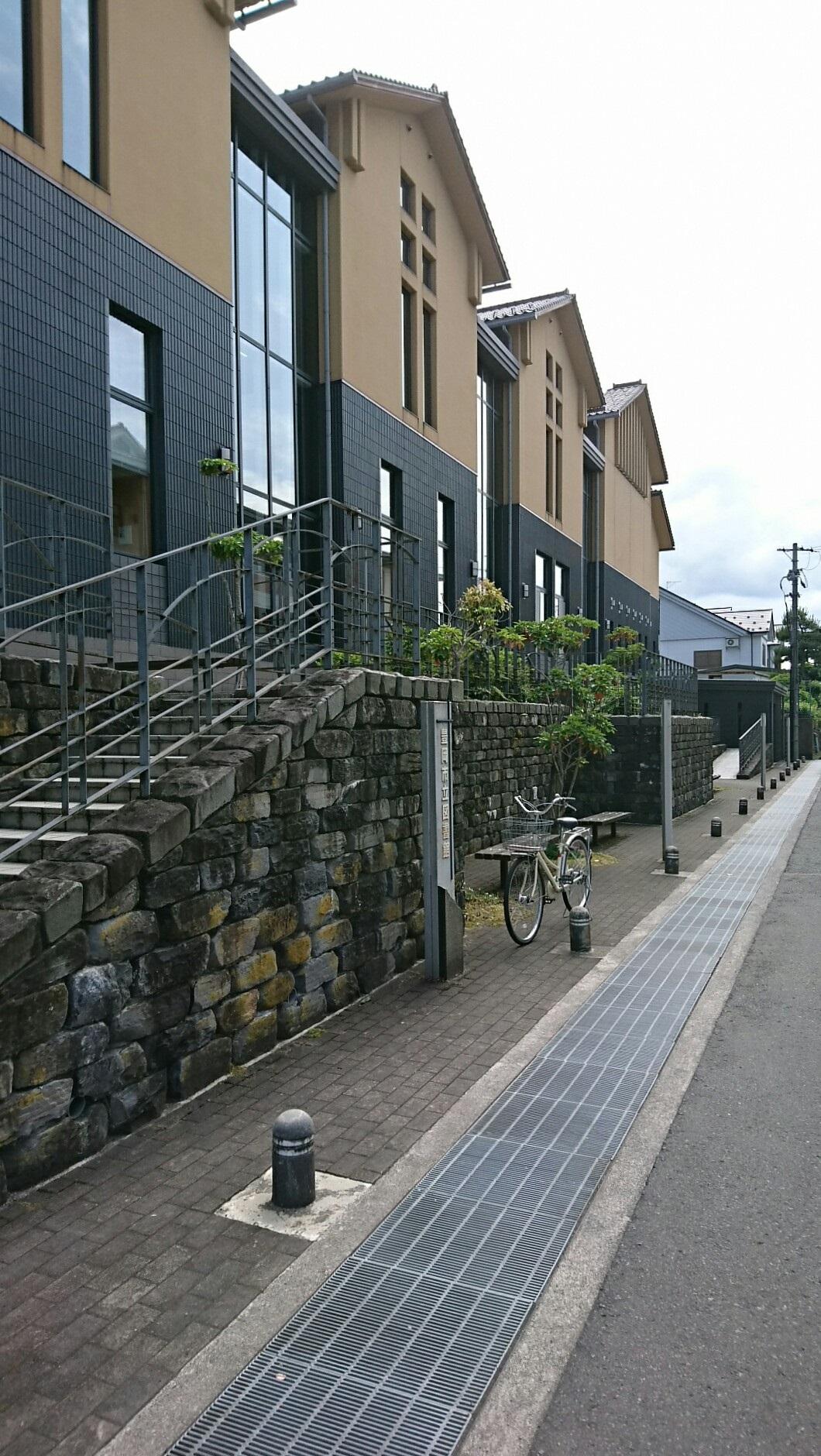 2017.6.3 豊岡 (97) 豊岡市立図書館 1060-1880