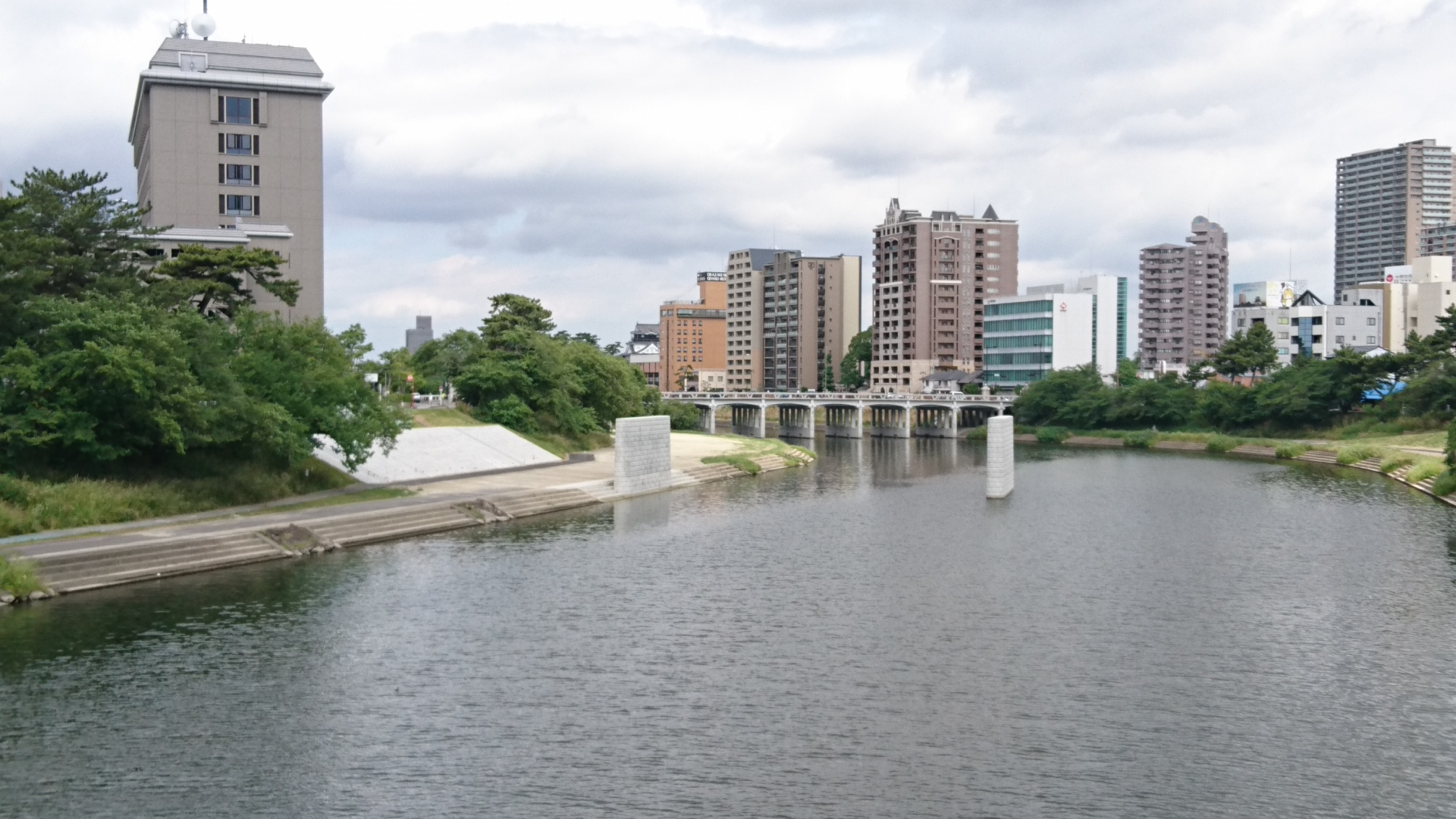 2017.6.6 乙川人道橋の橋脚 (2)