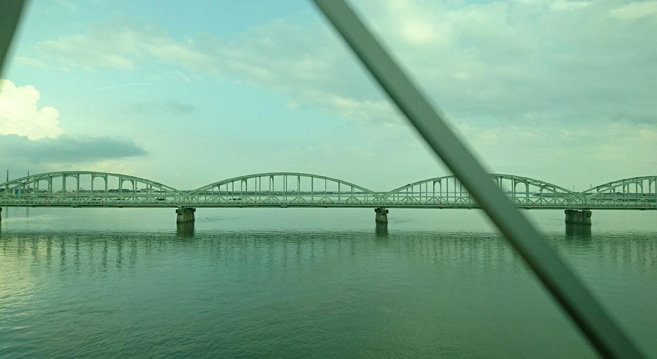 2017.8.18 近鉄 (20) 名古屋いき特急 - 木曽川をわたる 1280-700