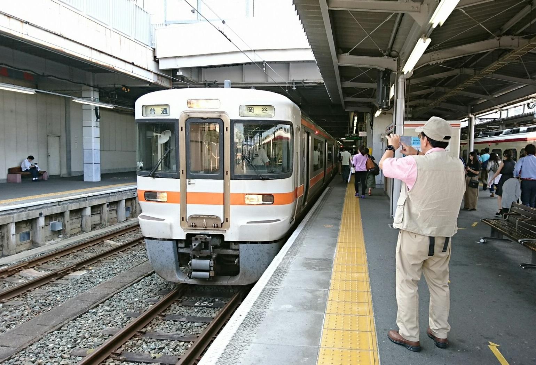 2017.8.30 豊川 (5) 豊橋 - 岡谷いきふつう 1540-1050