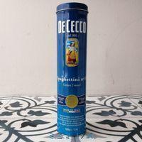 ディチェコ(dececco)のパスタ保存缶 鮮やかな青の細長い缶