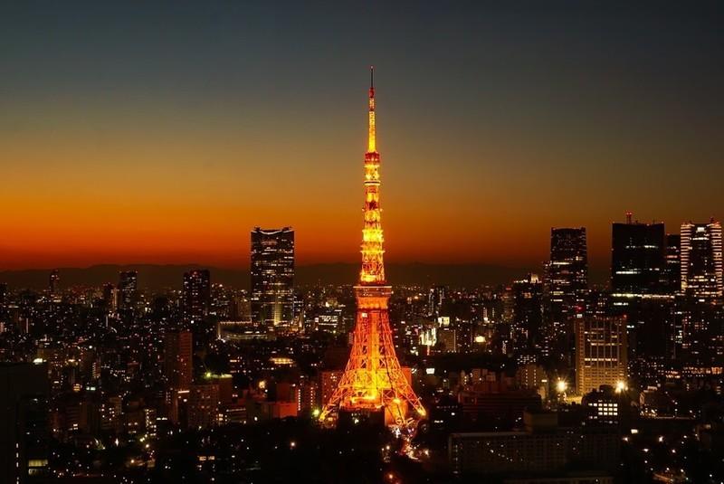 世界貿易センタービルから撮影した東京タワーの写真