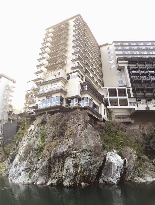鬼怒川温泉郷のホテル建物