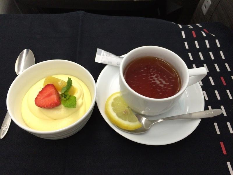 2016年06月: JAL414(フィンランド・ヘルシンキ=東京・成田) ビジネスクラス 機内食