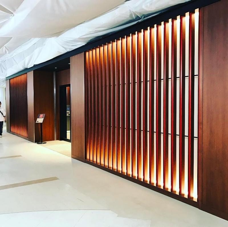 2017年3月にリニューアルした「JALダイヤモンド・プレミアラウンジ(福岡空港)」に入室