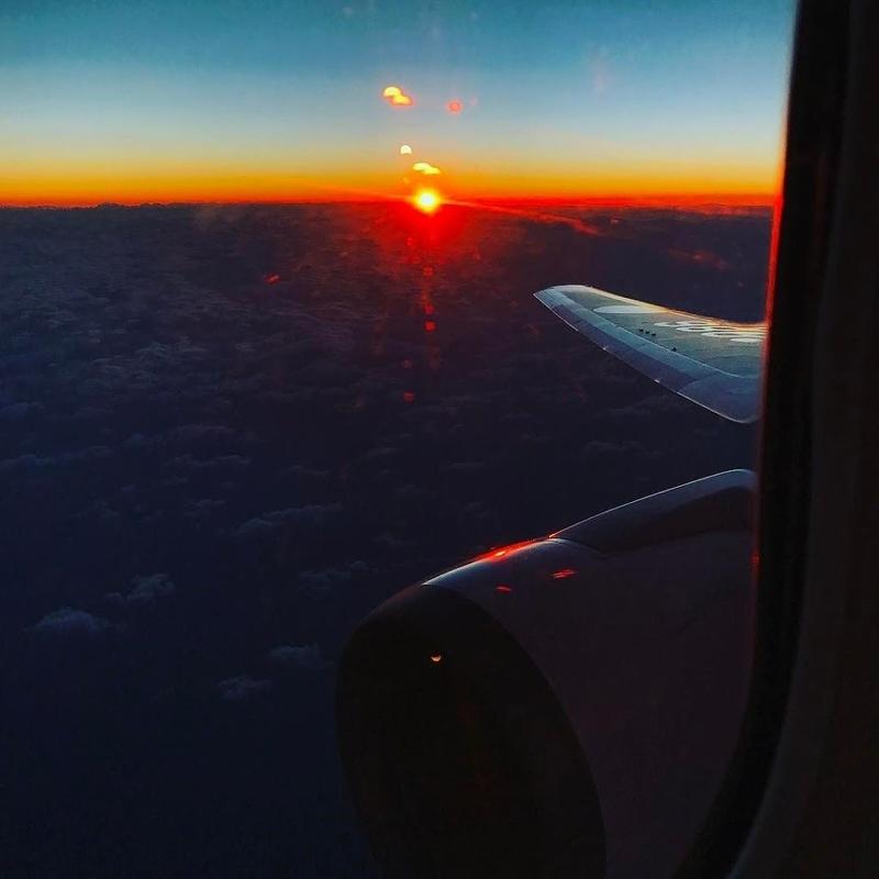 飛行機から見る日の出