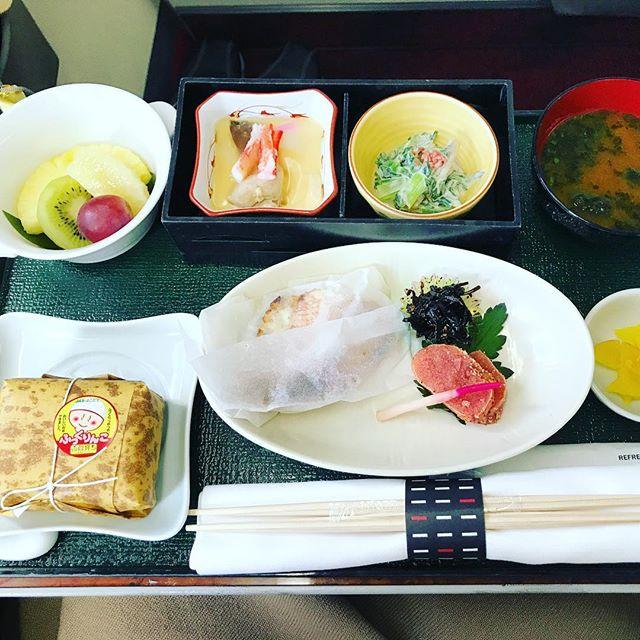 機内食:2018年4月上旬 / 日本航空・JL305(JAL305) / 東京・羽田=福岡 / 国内線ファーストクラス(朝食)