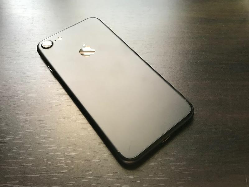 iphone-7-black-back