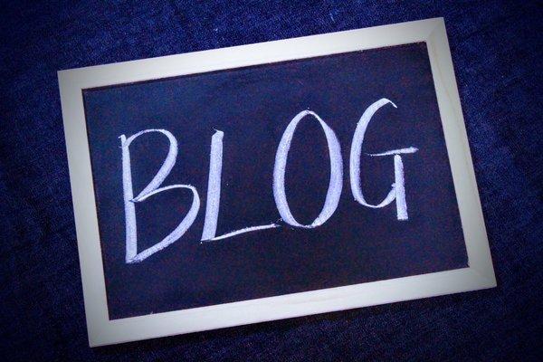 アフィリエイト記事を書くのに有料版ブログサービスを使用する理由