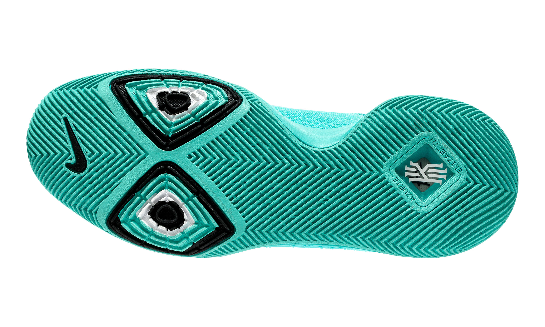 34864c4e772c Nike Kyrie III
