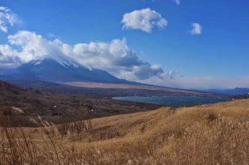 三国峠~パノラマ台からの富士山の眺め