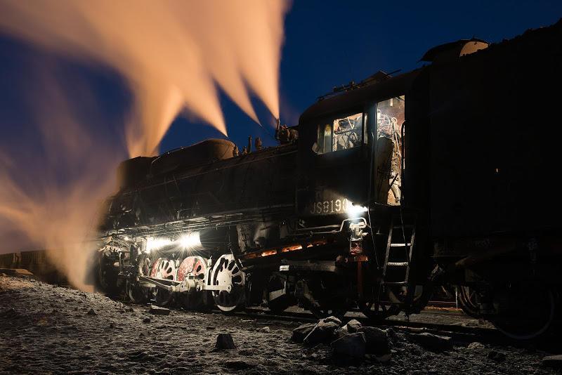 161230 ブルーモーメントの三道嶺通勤機関車