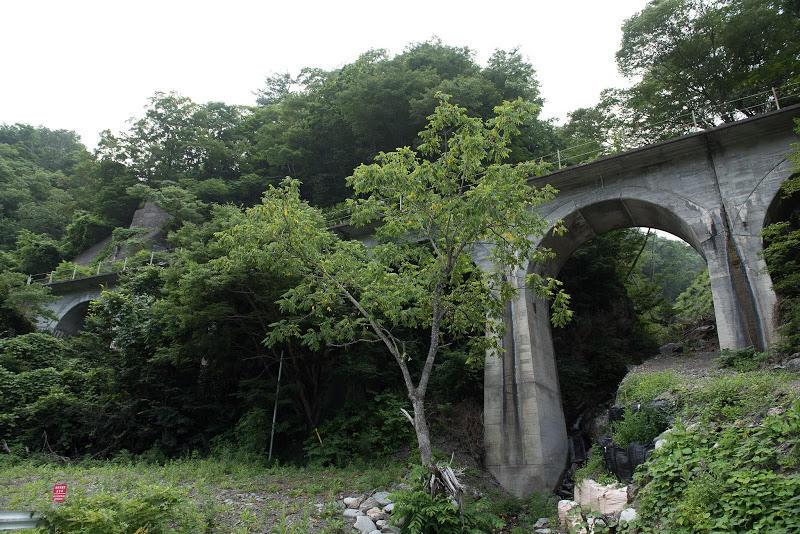 170805 国道脇のコンクリートアーチ橋