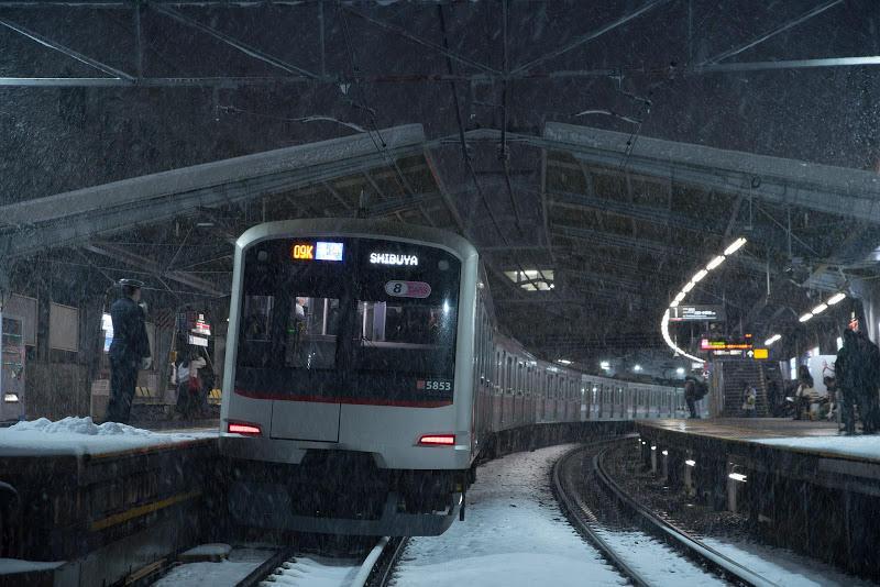180122 雪の白楽駅