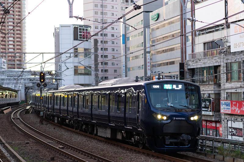 191130 五反田を通過する海老名発直通一番列車