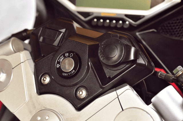 ★CSCモーターサイクル 250ccのスポーツバイクRC3を発表