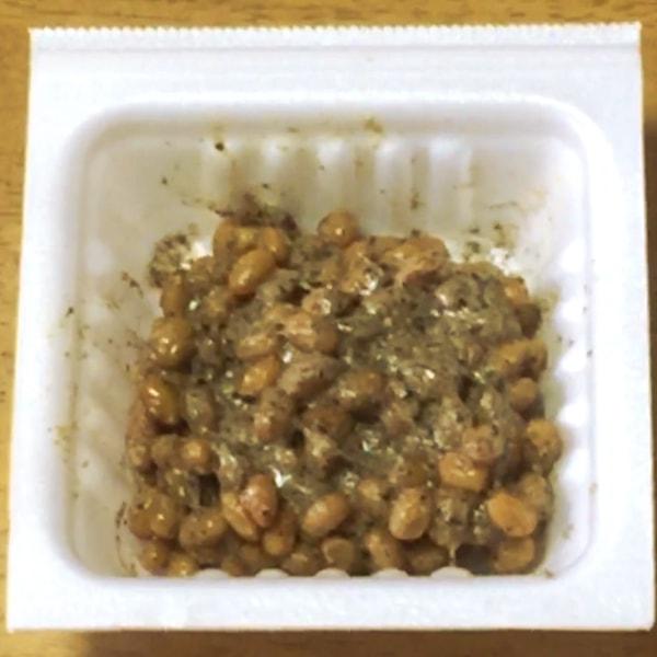 納豆と山椒を混ぜた画像