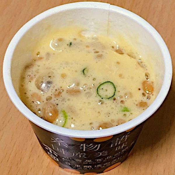 「糸物語 国産美味」で付属品(ネギ・うずら卵・たれ)も納豆も全部混ぜた画像