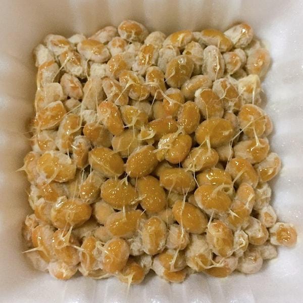 「有機そだち 極小粒納豆」の中の納豆の画像