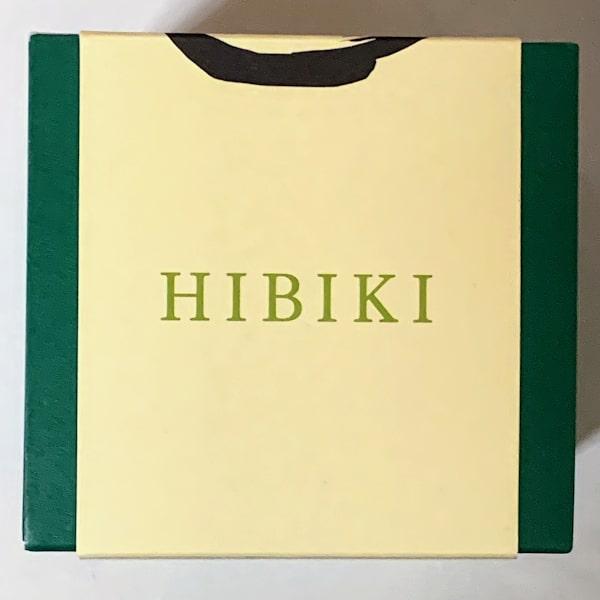 """「響」の箱、""""HIBIKI""""と書かれた側面の画像 その1"""