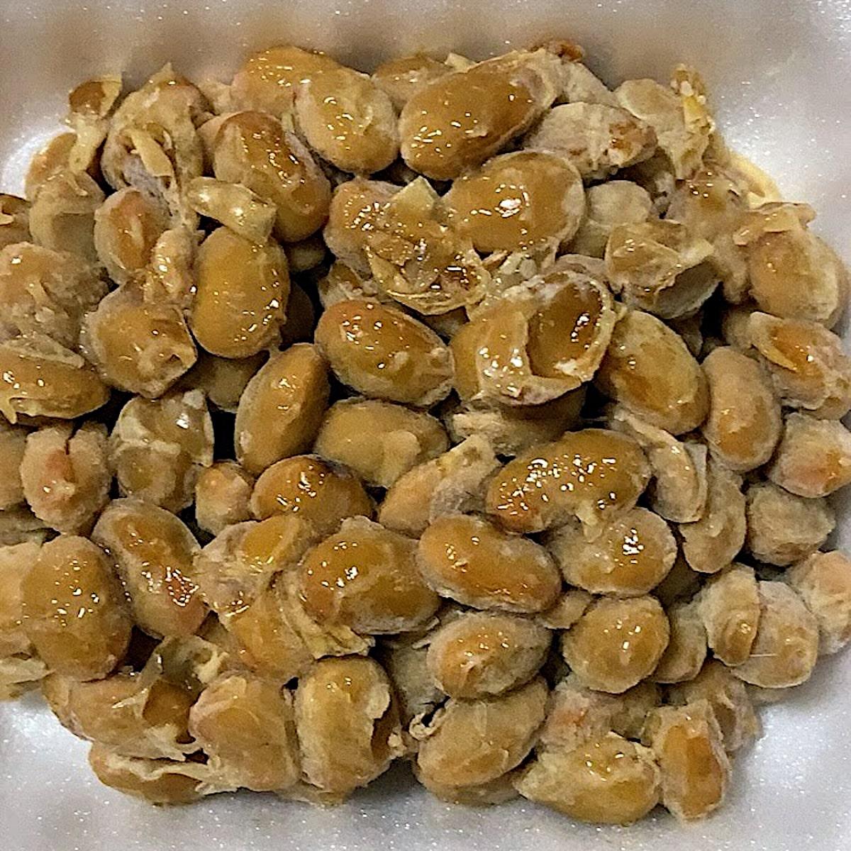 「小粒納豆 赤」の中の納豆の画像