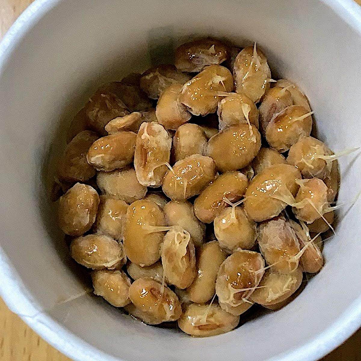 「有機認定大豆使用 小粒納豆」中の納豆の画像