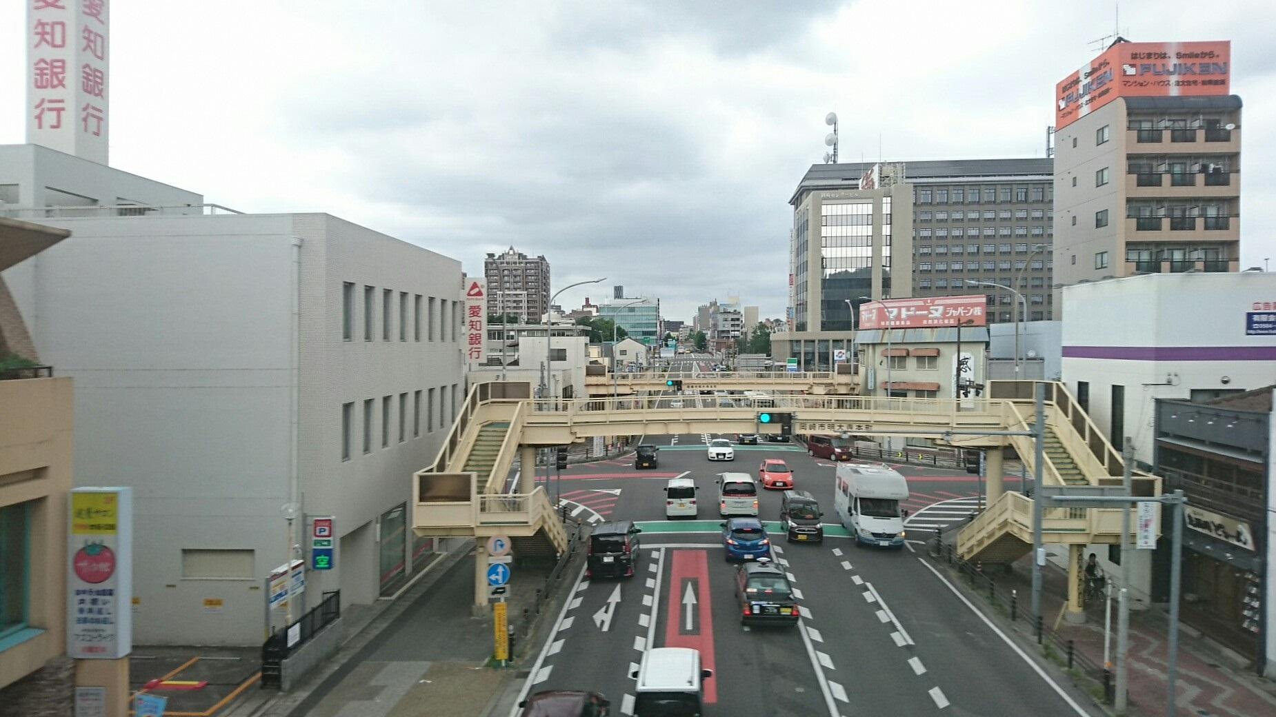 2017.7.30 東岡崎 (15) 東岡崎いきふつう - 電車どおりをこえる 1850-1040