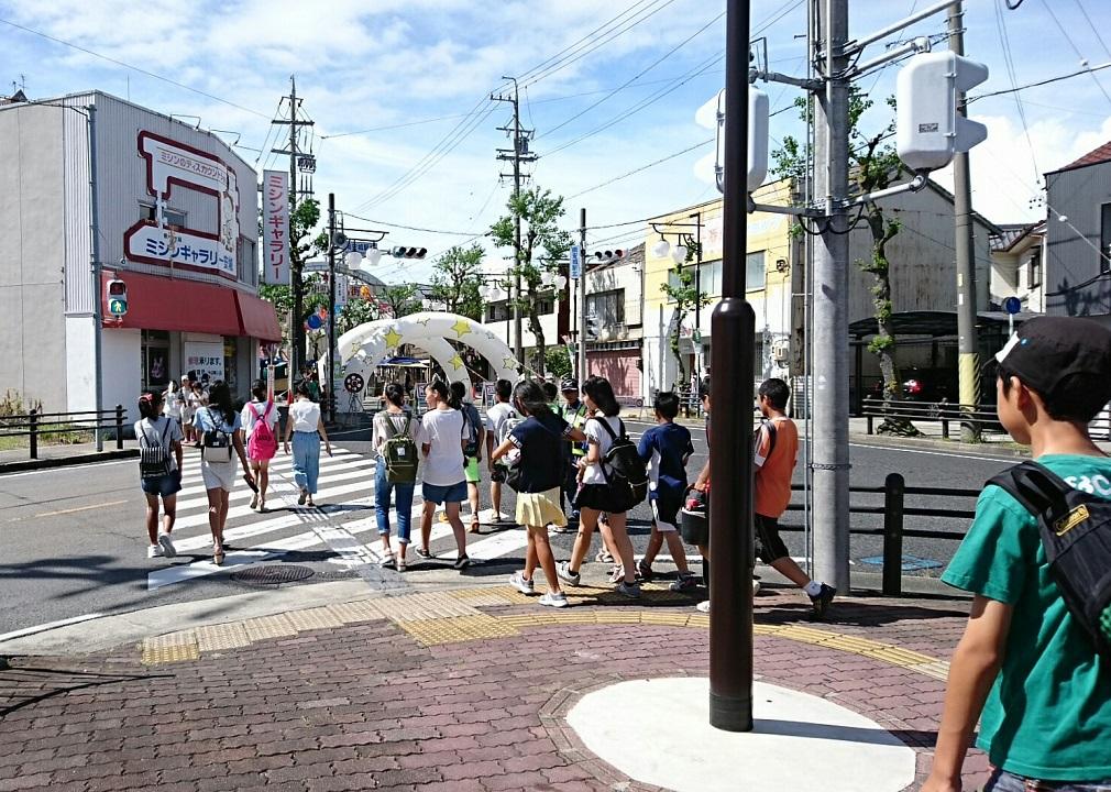 2017年あんじょうたなばたまつり (4) 南安城駅北交差点 1010-720