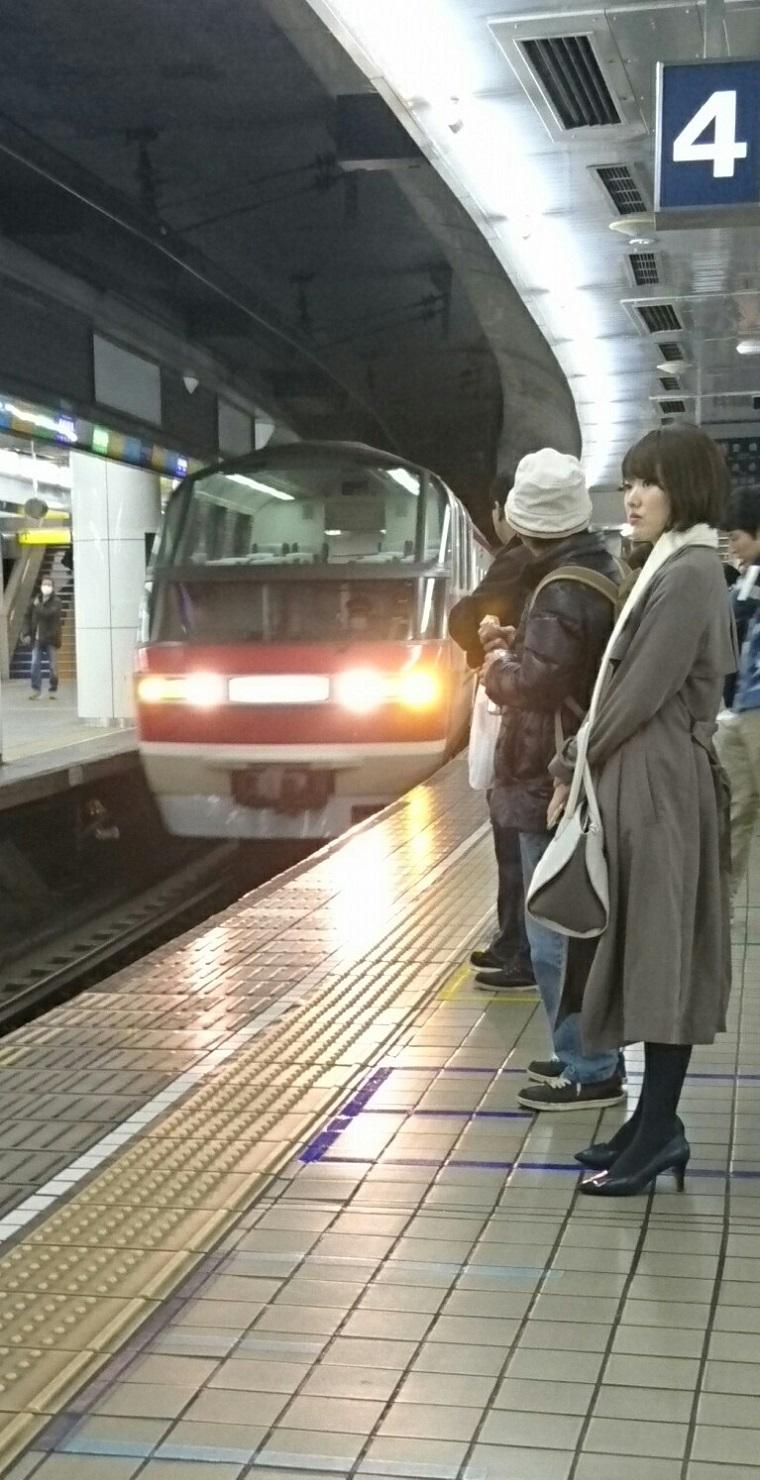 2017.12.5 名古屋 - 豊橋いき特急 (1-1) 760-1480
